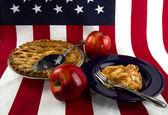 Amnerican Apple Pie/Flag — Stock Photo