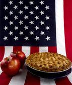 Apple Pie & American Flag — Stockfoto