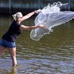 Женщина Чистая Серфинг — Стоковое фото