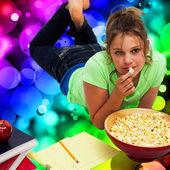 Teen Girl Snacking/Studying (Illustration) — Stock Photo