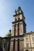 Iglesia de la asunción en lviv — Foto de Stock