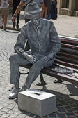 Living statue - a man playing chess on the bench — Stock Photo