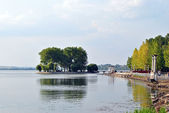 Lovers Island on the Quay of the Town lake in Ternopil — Stock Photo