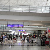 Passenger in the airport.interior of the airport. — Stock Photo