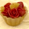 Cupcake with red roses decor — Stock Photo #11332618