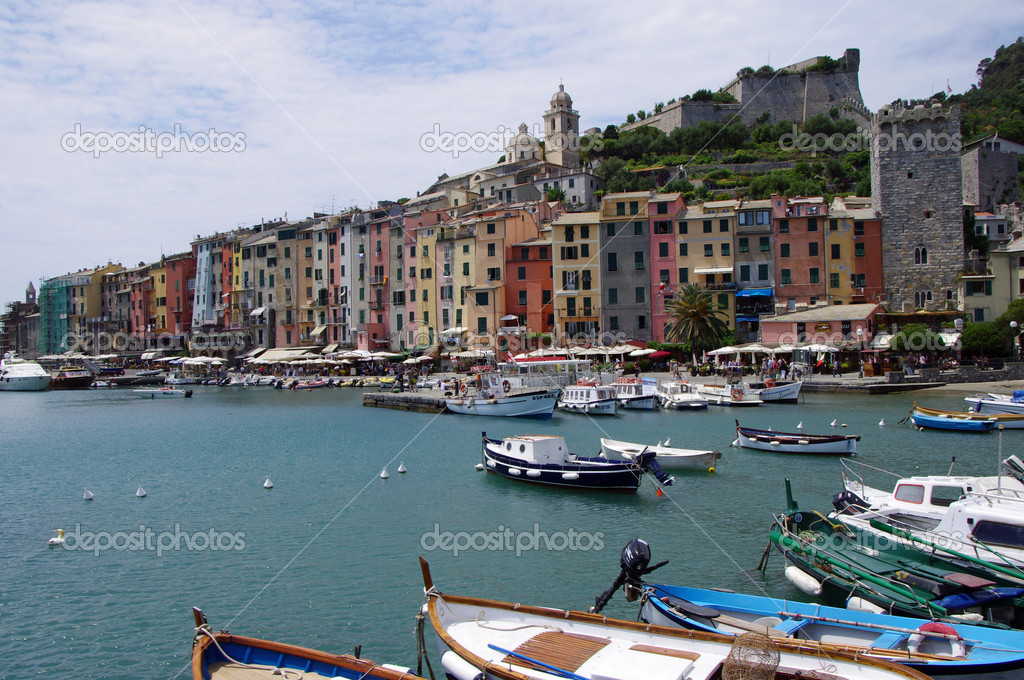 Panoramic view of the colorful houses of Portovenere in Italy — Stock Photo #11248490