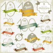 Tarjetas y signos aniversario vector diseño — Vector de stock