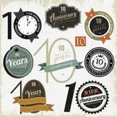 10 anni anniversario segni e schede di disegno vettoriale — Vettoriale Stock