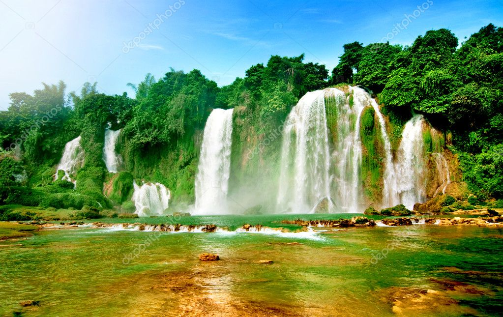 Ban gioc water fall, cao bang, viet nam — Stock Photo #11592289