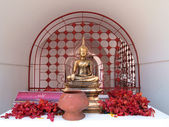 Golden buddha image in temple — Stock Photo