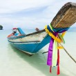 Long tail boat sit on the beach, Samui island, Thailand — Stock Photo