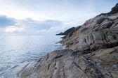 Beautiful seascape. Sea and rock — Stock Photo