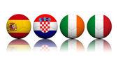 Bolas de futebol de renderização 3d com padrão de bandeira, cha de futebol europeu — Fotografia Stock
