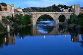 Nocturna, puente san martín toledo — Foto de Stock