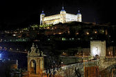 Citadel en bridge toledo — Stockfoto