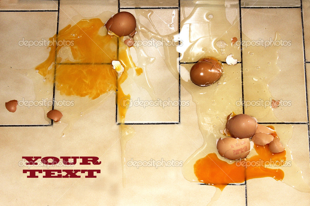 Eggs fall — Stock Photo #11648984