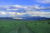 Mongol road to mountain — Stock Photo