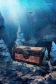 Closed treasure chest underwater — Stock Photo