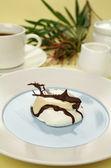 Chocolate Meringue — Stock Photo