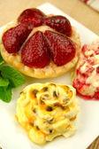 Passionfruit Cream And Strawberry Tart — Stock Photo