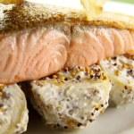 ������, ������: Crispy Skin Salmon