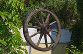 Eski bir araçtan tekerlek — Stok fotoğraf