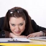 mladá krásná žena v kanceláři — Stock fotografie