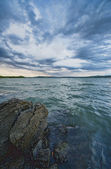 Dramatic sky the lake — Stock Photo