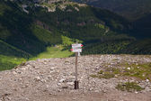 View on tourist sign in Tatra Mountains. Przelecz pod Kondracka Kopa, Poland. — Stock Photo