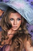 Portrait of elegant lady in retro hat — Stock Photo