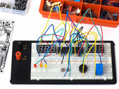 Diy elektronica op breadboard — Stockfoto