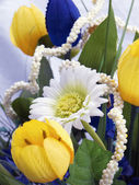 Bos van nep bloemen — Stockfoto