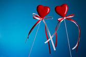 Boşluk ile stick iki kalp — Stok fotoğraf