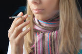 Girl smoking — Stock Photo