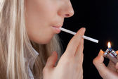 Chica fumando — Foto de Stock