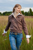 Girl in the field — Stock Photo