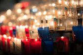 Karanlık kilise mum — Stok fotoğraf