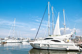 Yachts at sea port — Stock Photo