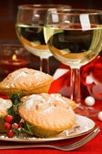 Christmas Mince Pies With Holly — Stock Photo