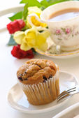 Freshly Baked Muffin With Tea — Stock Photo