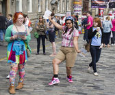 Girls handing out flyers at Edinburgh Festival — Stok fotoğraf