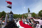 Syrians rally for Assad — Stock Photo