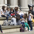 Teenagers at the British Museum — 图库照片