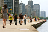 Enjoying Being Active Along Chicago Shoreline — Stock Photo