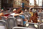 Tourists View Chicago Skyline From Sightseeing Bus — Stock Photo