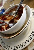 грязные тарелки — Стоковое фото