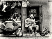 Proprietario del negozio in madagascar — Foto Stock