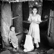 Beautiful Ethiopibrother and sister pose for camera — ストック写真 #11917053