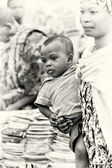 A little baby an dhis mother in Ghana — Stock Photo