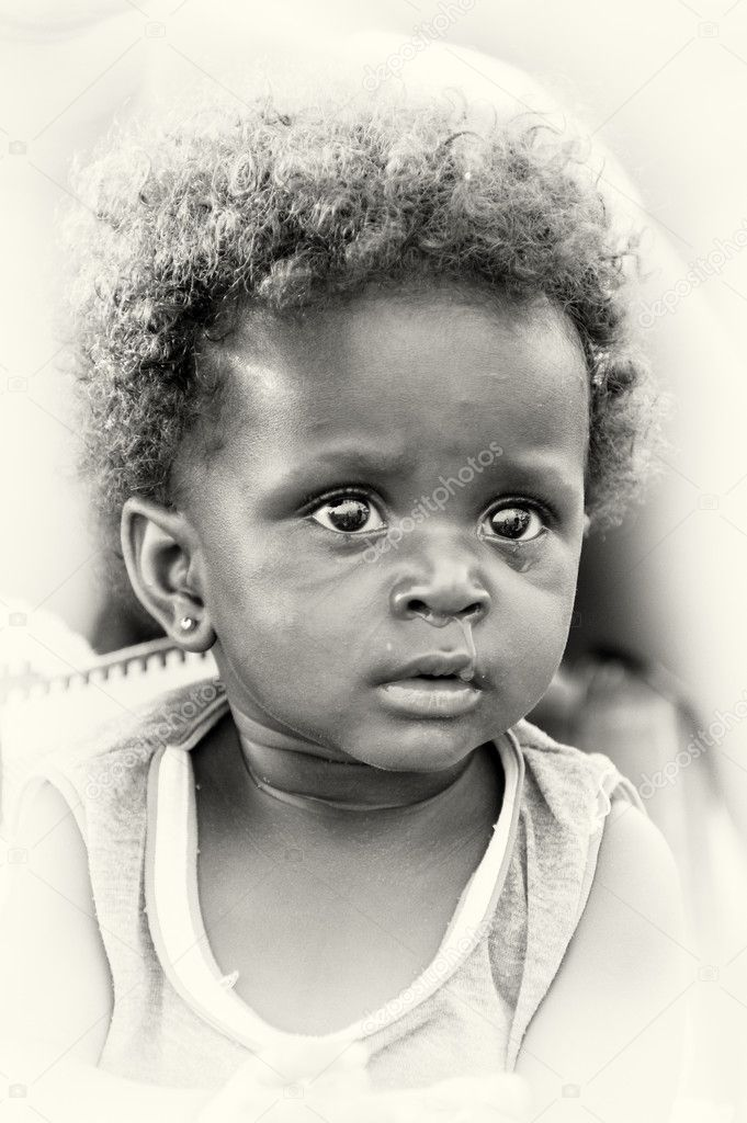 A portrait of a little girl from Ghana — Stock Photo #11969209